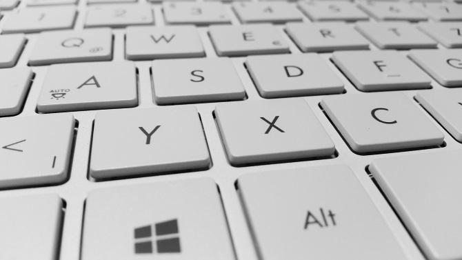 چگونه مشکل کار نکردن کیبورد لپ تاپ را برطرف کنیم؟